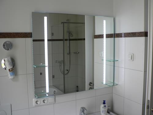 Badezimmerspiegel Kleben.Spiegel